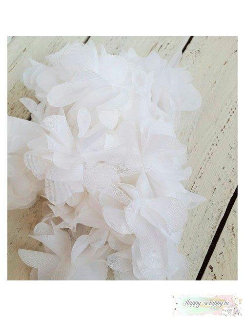 Цветок из шифона белый 6 см