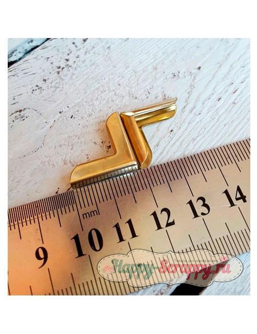 Металлический уголок строгий золото - 1,8x1,8 см