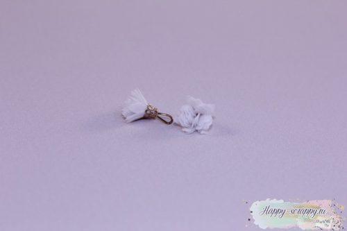 Кисточка шифоновая маленькая белая (1шт)