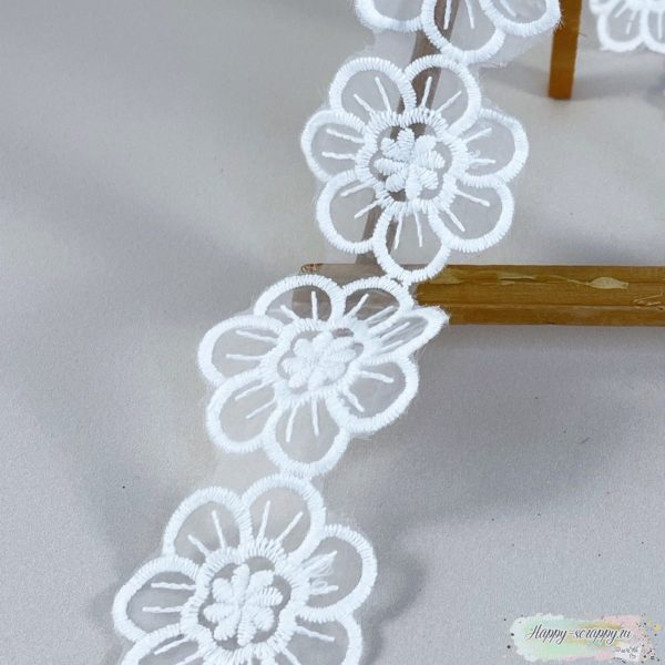 Кружево цветы на сетке (45 см)